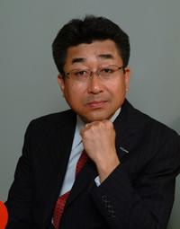 梅田知二コーチ